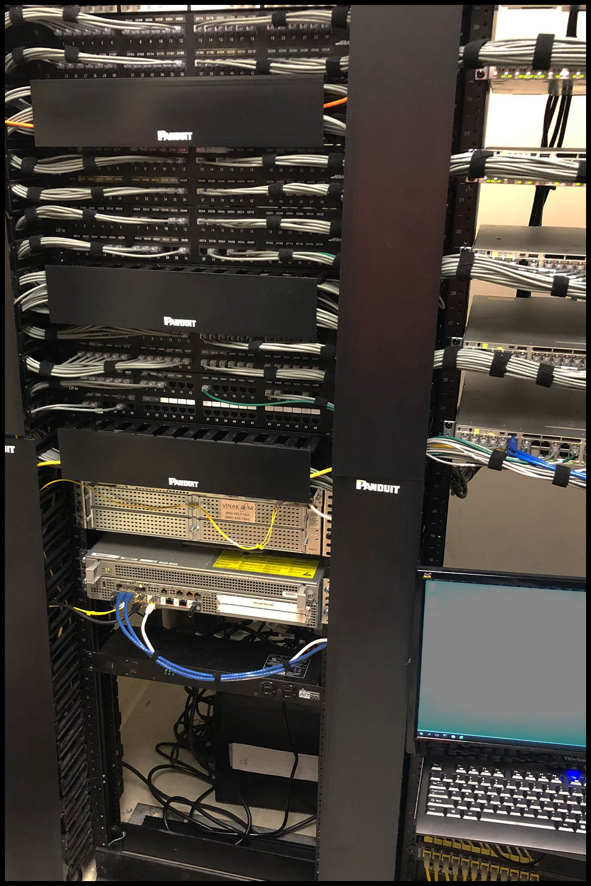 Network server with cable installation by NTI